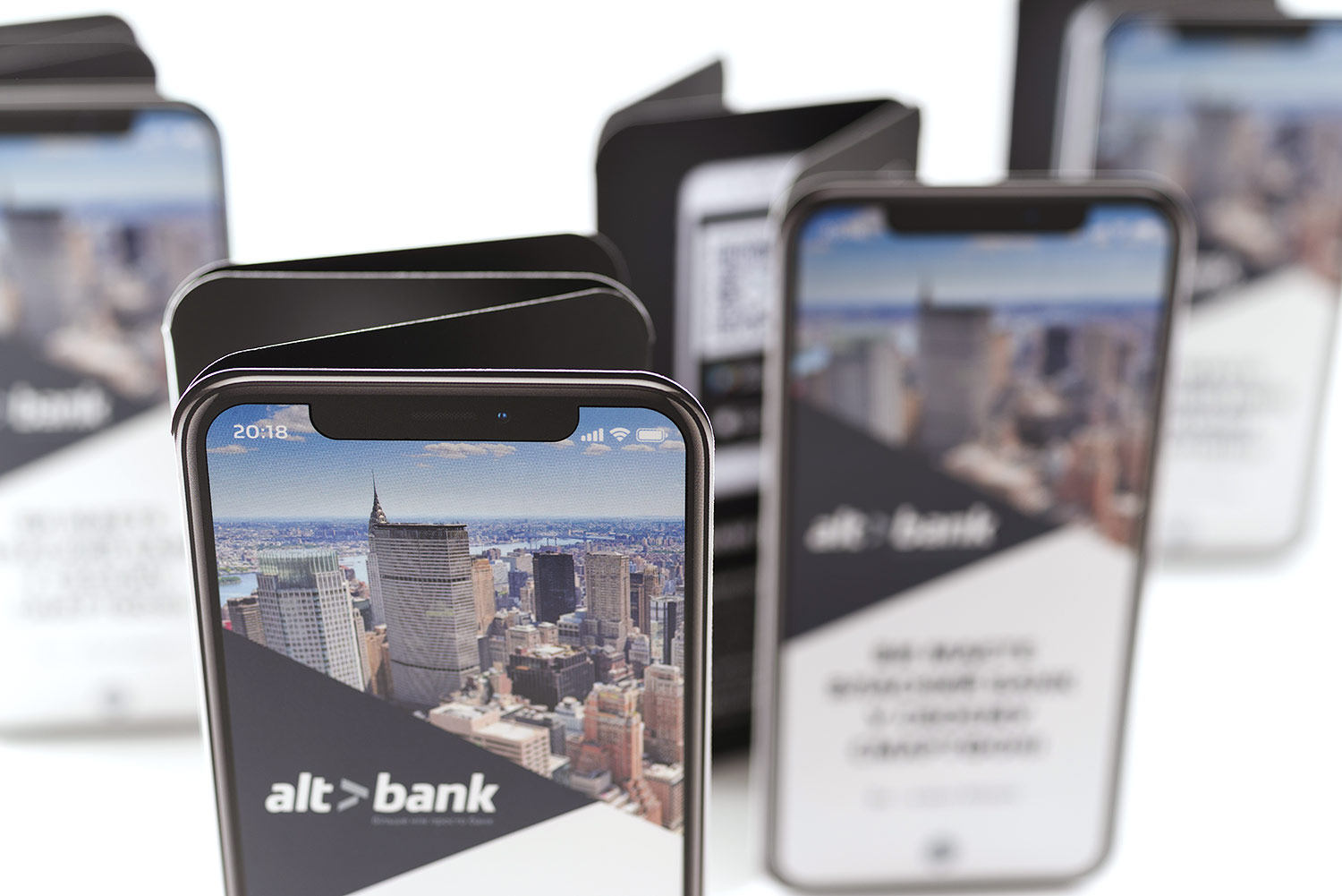 Bank information booklet about the Altbank Private mobile application.