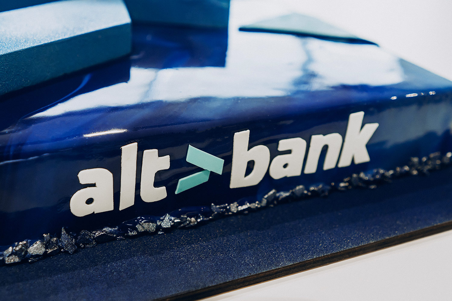 Designer cake with the logo. Altbank.